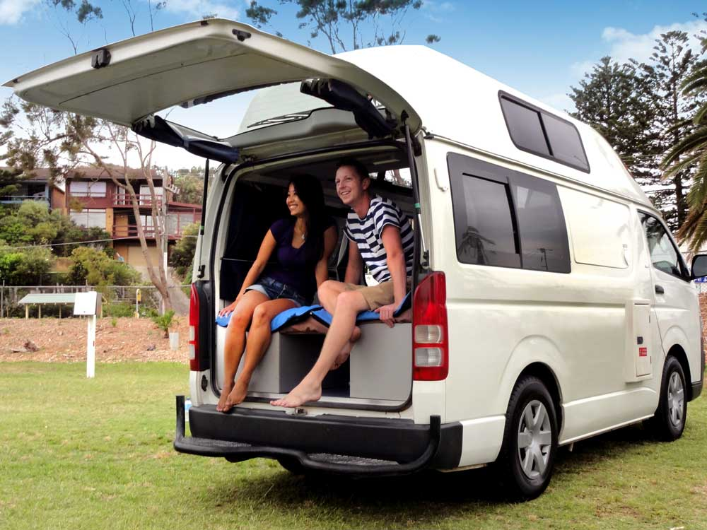 camping cars toyota hiace hitop a l 39 achat avec travellers autobarn. Black Bedroom Furniture Sets. Home Design Ideas